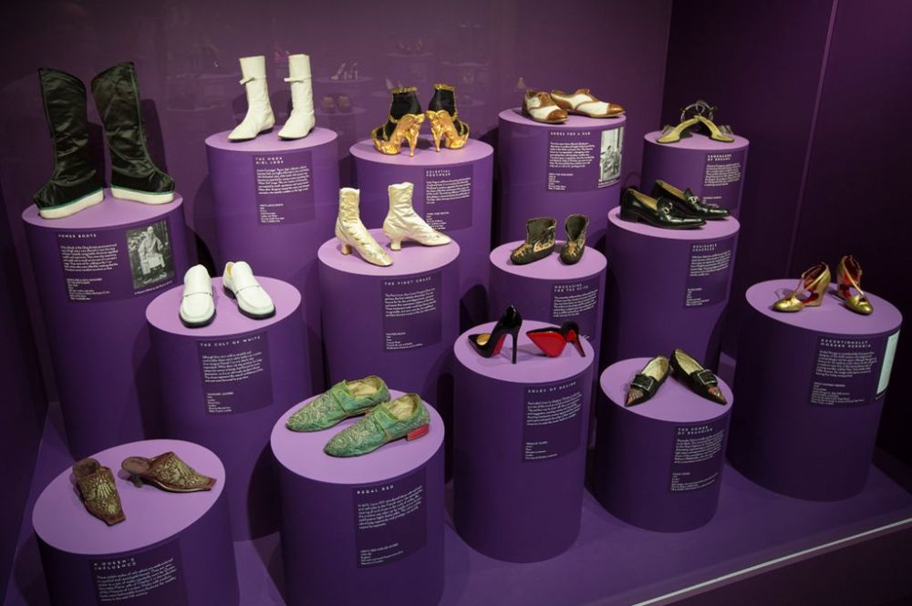 shoes-pleasure-and-pain-exhibition-at-va